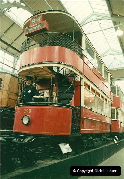 London Buses 1963 to 2007.  (49) 049