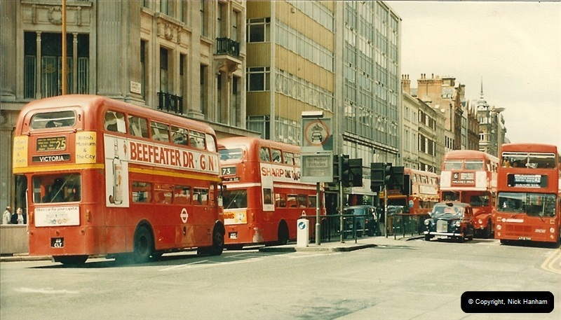 London Buses 1963 to 2007.  (64) 064