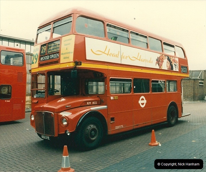 London Buses 1963 to 2007.  (77) 077
