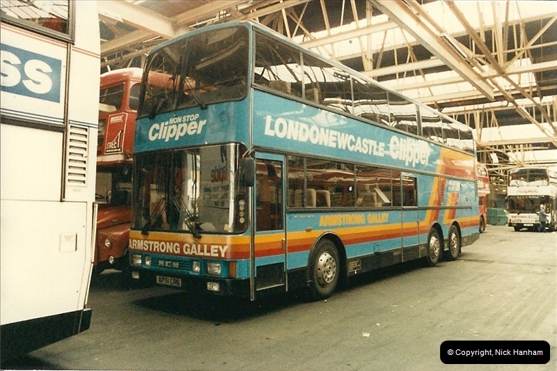 London Buses 1963 to 2007.  (89) 089