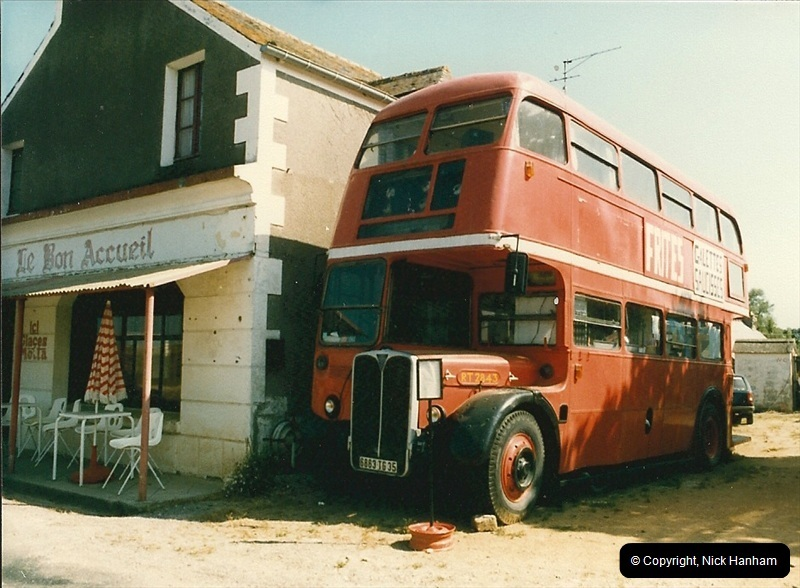 London Buses 1963 to 2007.  (90) 090
