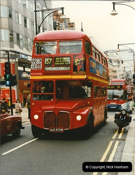London Buses 1963 to 2007.  (137) 137