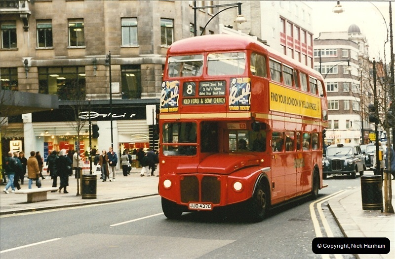 London Buses 1963 to 2007.  (141) 141