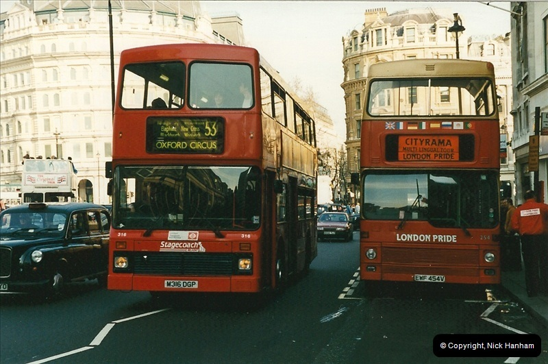London Buses 1963 to 2007.  (159) 159