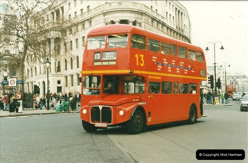 London Buses 1963 to 2007.  (171) 171