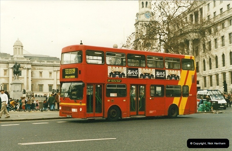 London Buses 1963 to 2007.  (187) 187