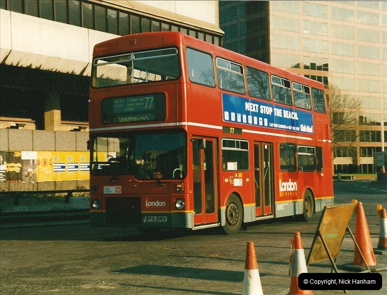 London Buses 1963 to 2007.  (207) 207