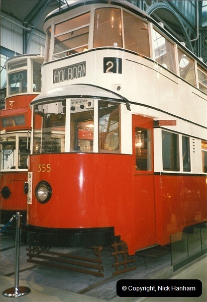 London Buses 1963 to 2007.  (225) 225