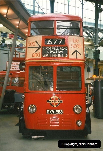 London Buses 1963 to 2007.  (226) 226