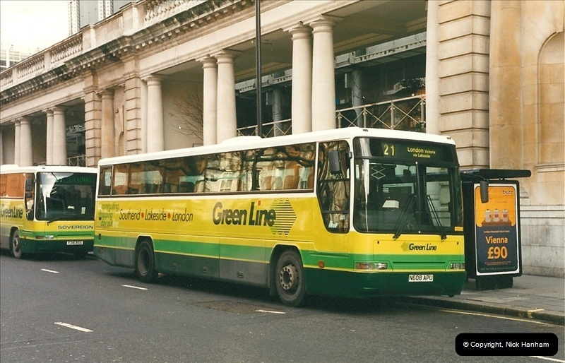 London Buses 1963 to 2007.  (253) 253