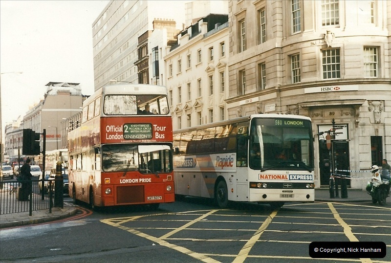 London Buses 1963 to 2007.  (272) 272
