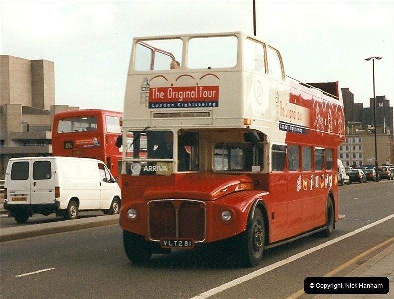 London Buses 1963 to 2007.  (316) 316