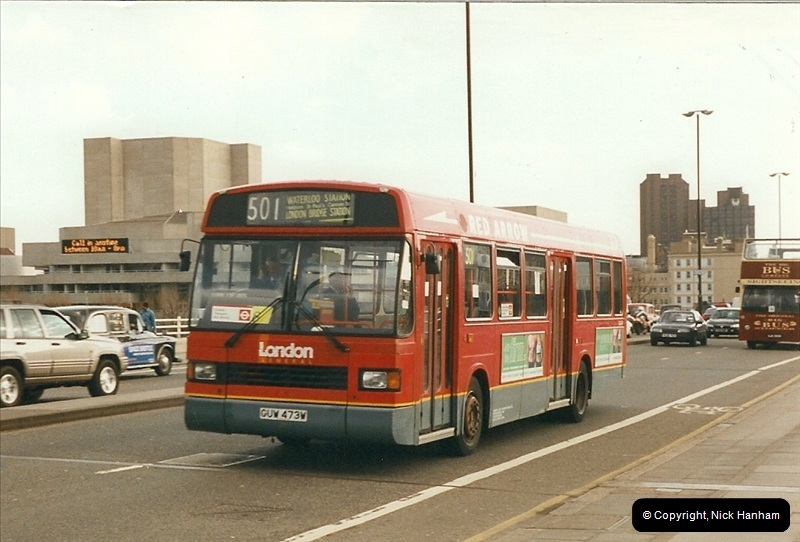 London Buses 1963 to 2007.  (325) 325