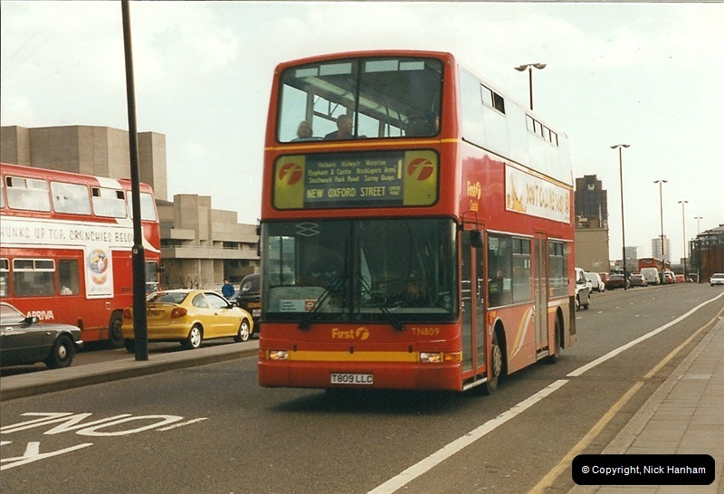 London Buses 1963 to 2007.  (326) 326