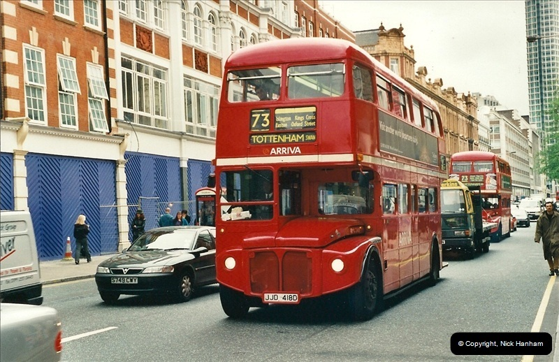 London Buses 1963 to 2007.  (334) 334