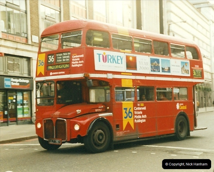 London Buses 1963 to 2007.  (372) 372