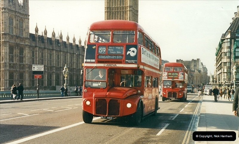 London Buses 1963 to 2007.  (382) 382