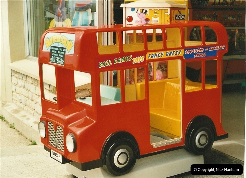 London Buses 1963 to 2007.  (402) 402
