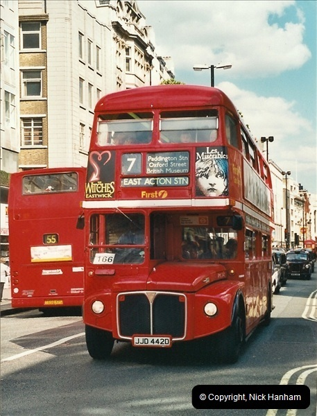 London Buses 1963 to 2007.  (423) 423