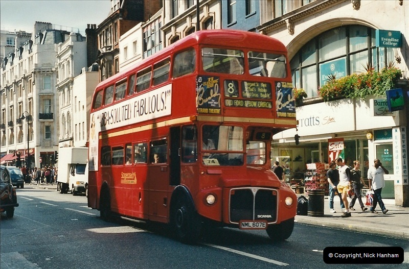 London Buses 1963 to 2007.  (432) 432