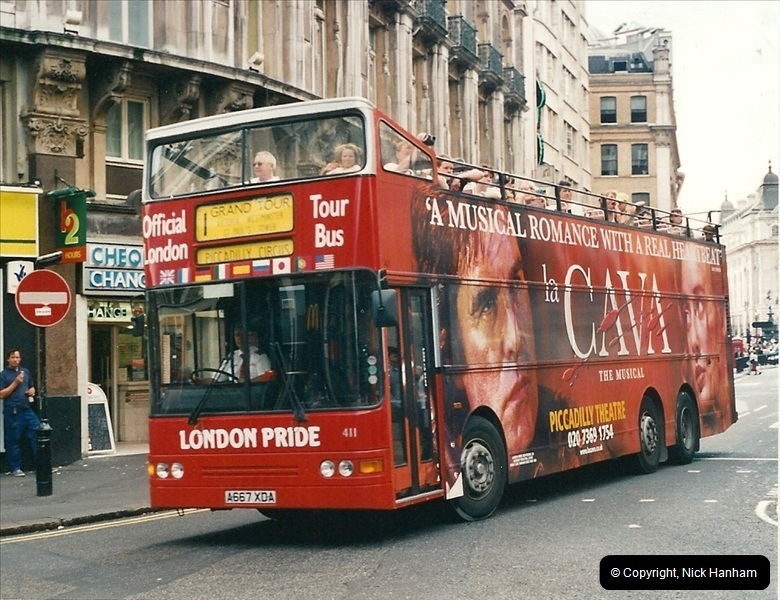 London Buses 1963 to 2007.  (437) 437