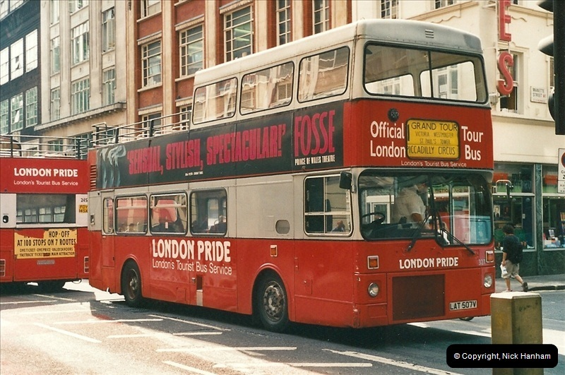 London Buses 1963 to 2007.  (476) 476