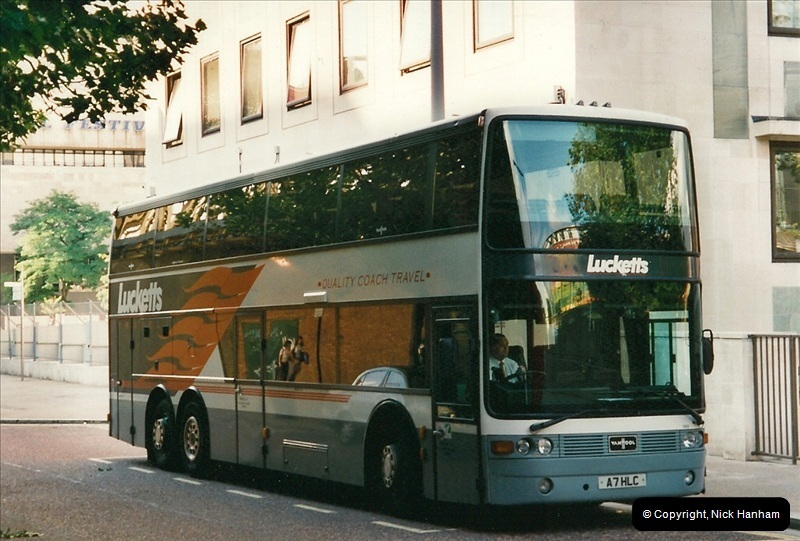 London Buses 1963 to 2007.  (483) 483