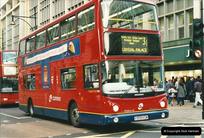 London Buses 1963 to 2007.  (513) 513
