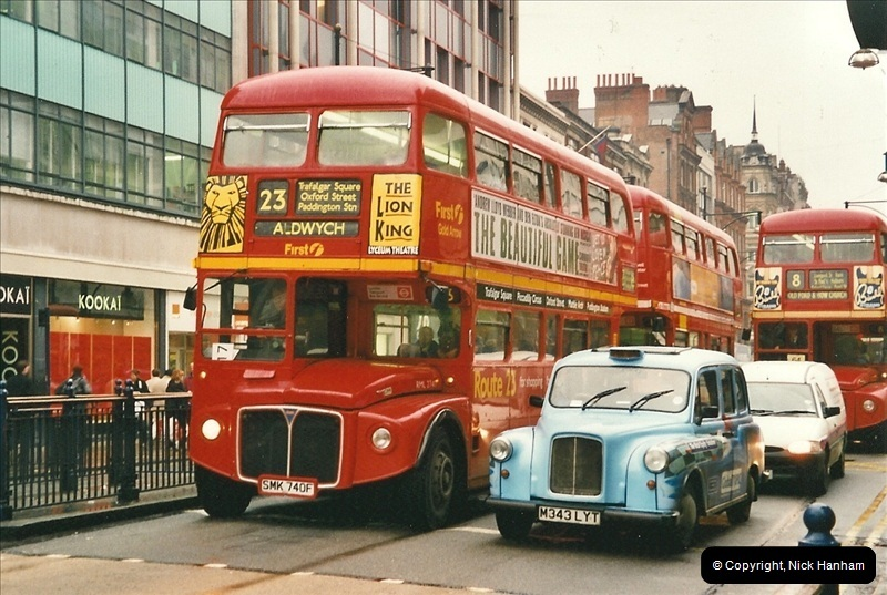 London Buses 1963 to 2007.  (519) 519