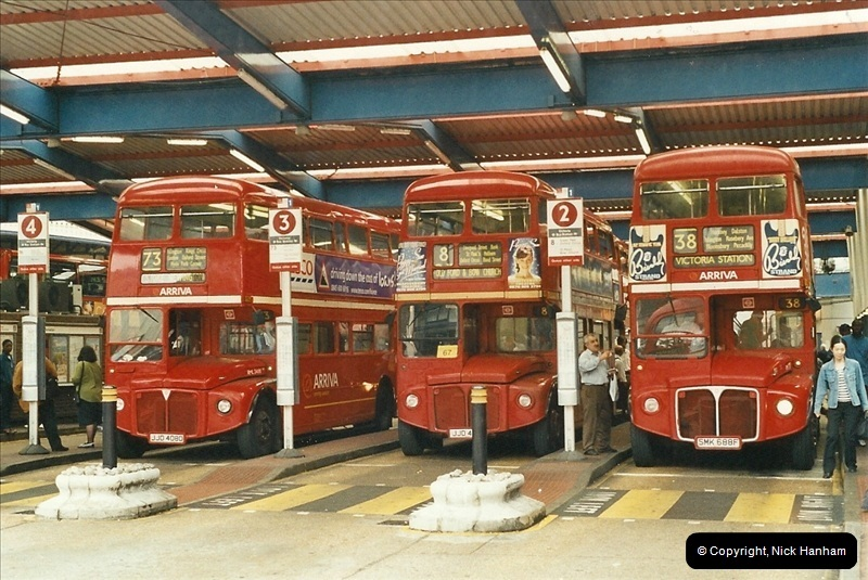 London Buses 1963 to 2007.  (552) 552