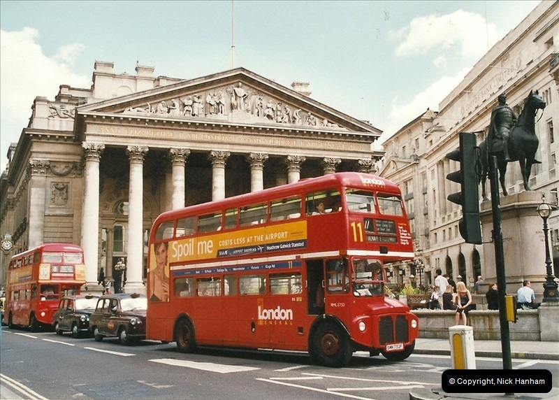 London Buses 1963 to 2007.  (637) 637