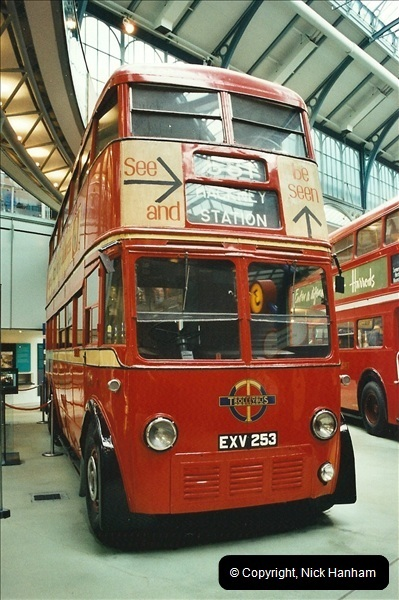 London Buses 1963 to 2007.  (654) 654
