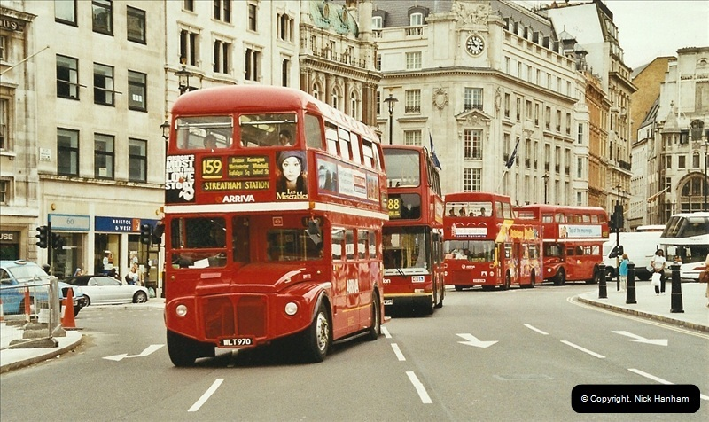 London Buses 1963 to 2007.  (669) 669