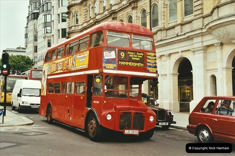 London Buses 1963 to 2007.  (670) 670