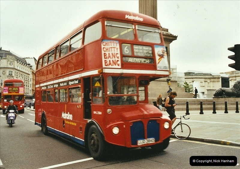 London Buses 1963 to 2007.  (672) 672