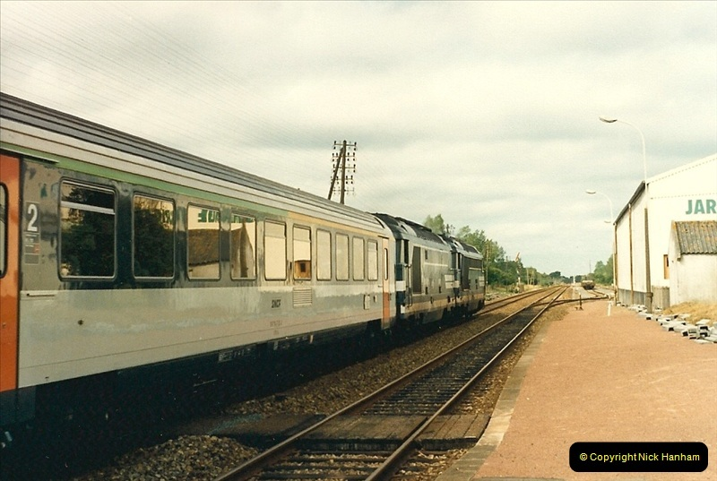 1987-07-15 to 25 SNCF mostly in the Morlaix area (41)209