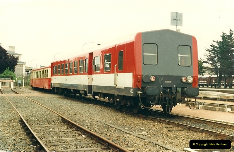 1987-07-15 to 25 SNCF mostly in the Morlaix area (65)233