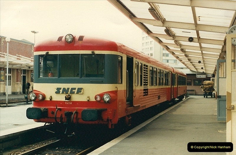 1987-07-15 to 25 SNCF mostly in the Morlaix area (68)236