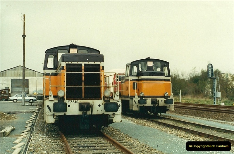 1988- 10- 10 to 20 Morlaix area & the wires going up. Rennes to Brest project.  (9)245