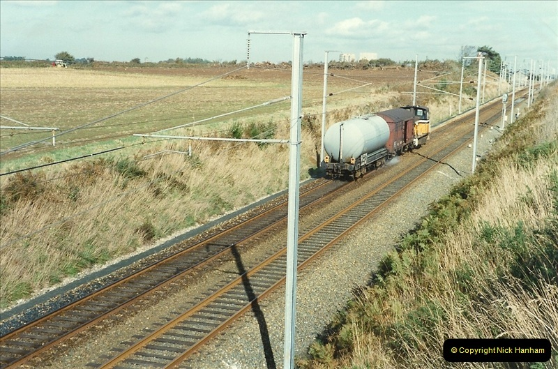 1989-10-23 St. Thegonnec near Morlaix. The final stage of the wires are now up between Rennes and Brest. (3)285