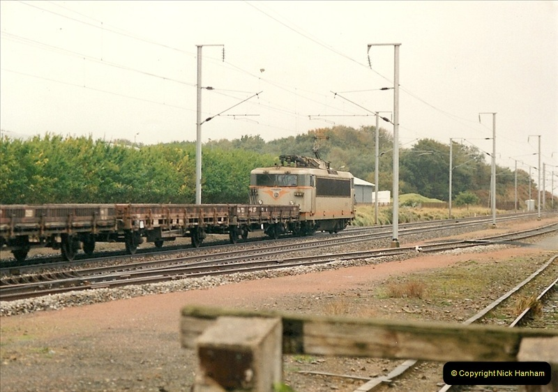 1991-11-01 to 02 St. Thegonnec near Morlaix, France.  (4)392