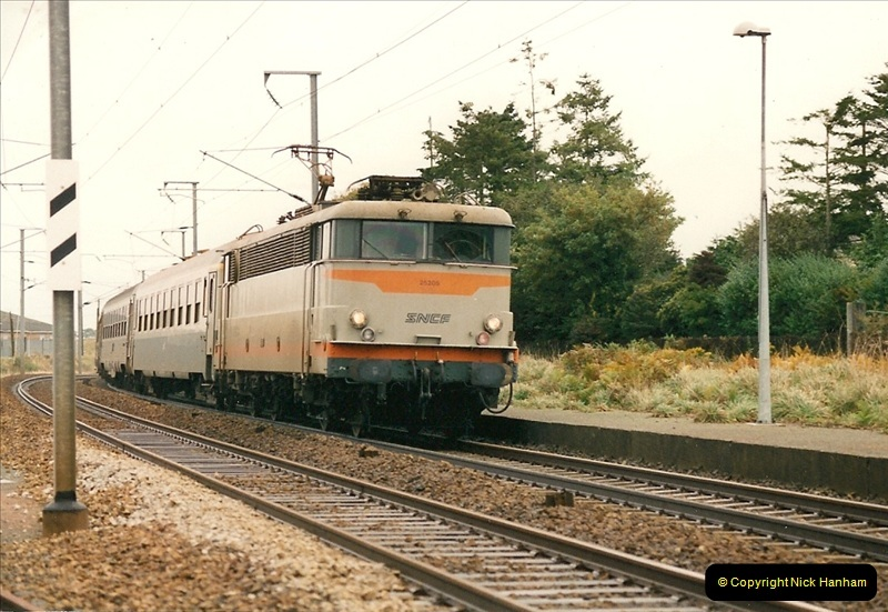 1991-11-01 to 02 St. Thegonnec near Morlaix, France.  (6)394