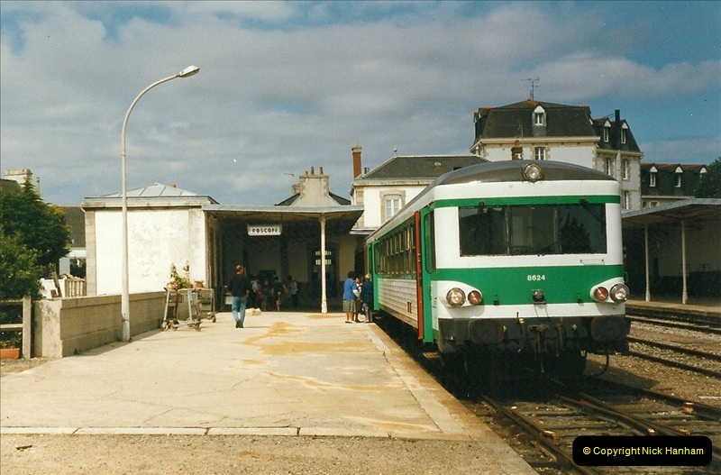 1999-07-09 to 11 The Morlaix area of Brittany, France.  (73)393
