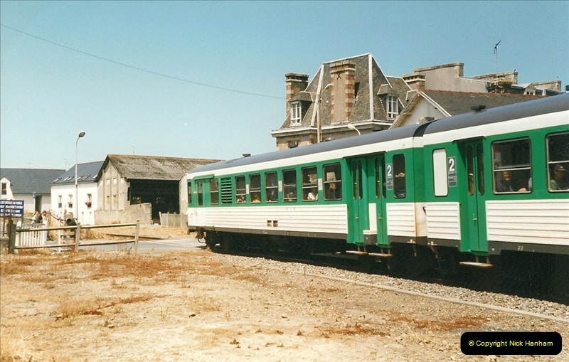 1999-07-09 to 11 The Morlaix area of Brittany, France.  (81)401