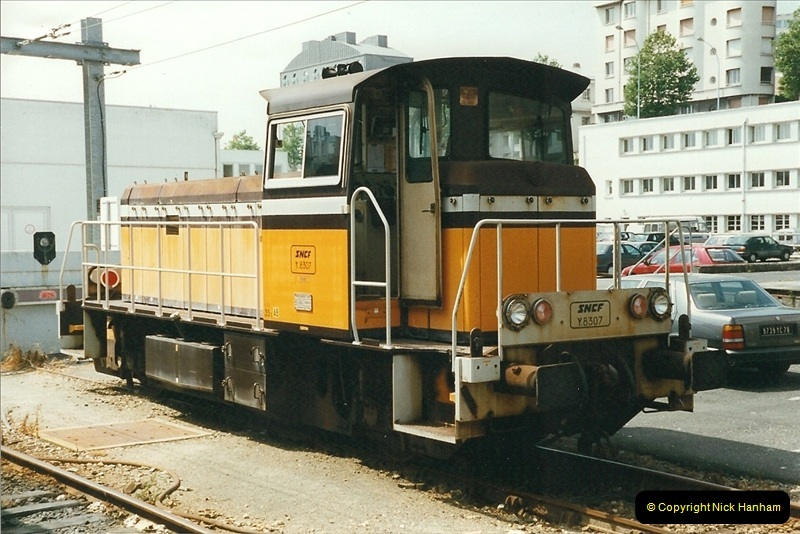 1999-07-13 Your Host is treated to a special guided tour of Brest station.  (3)446