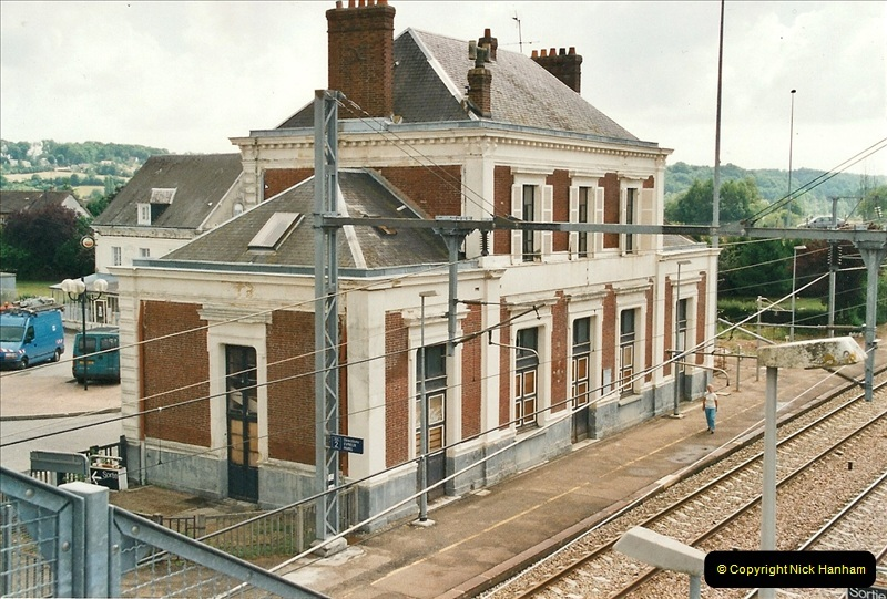 2002-07-22 to 29 Brionne area, France.  (8)732