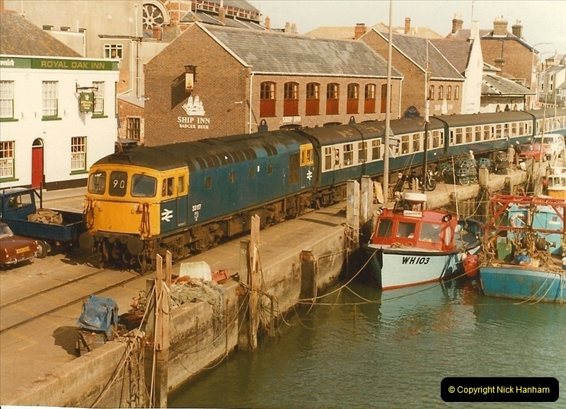 1983-09-22 The Channel Island Boat Train Weymouth Quay to Weymouth Station, Weymouth, Dorset.  (17)0562
