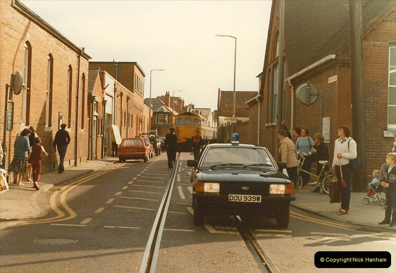 1983-09-22 The Channel Island Boat Train Weymouth Quay to Weymouth Station, Weymouth, Dorset.  (20)0565