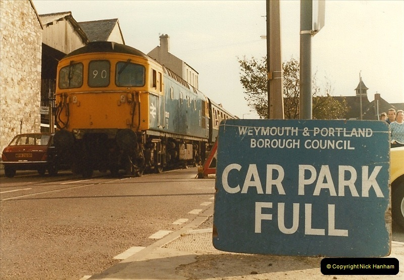 1983-09-22 The Channel Island Boat Train Weymouth Quay to Weymouth Station, Weymouth, Dorset.  (21)0566