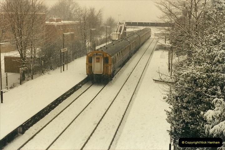 1985-01-18 Parkstone, Poole, Dorset.  (4)199